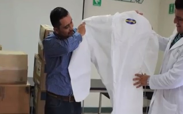 Dotan a hospital de Chimalhuacán de trajes biológicos contra COVID-19 - Entrega de trajes biológicos a Hospital General de Chimalhuacán. Foto de @GobiernoDeChimalhuacan
