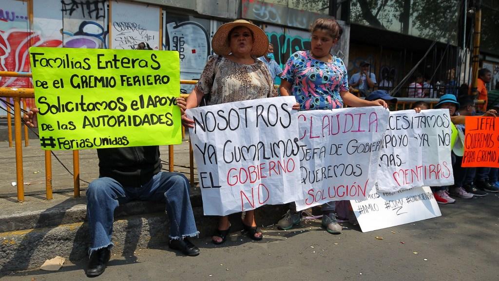Trabajadores de ferias exigen apoyo económico por COVID-19 - Ferias CDMX COVID manifestación CIudad de México