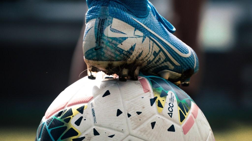 Inverosímil reanudar partidos de futbol, expresa ministro de Salud de Italia - Futbol partido juego deporte balón