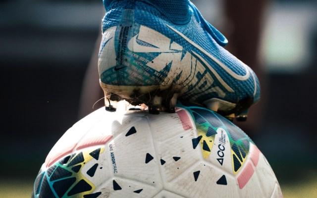Aplazan partido entre Mazatlán FC y Puebla de Torneo Guard1anes 2020 - Futbol partido juego deporte balón