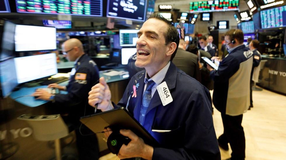 Wall Street cierra sin grandes cambios pese a una sesión movida - Foto de EFE