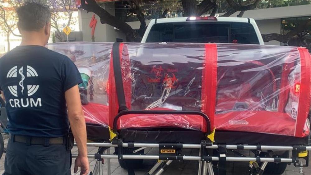Querétaro acumula tres decesos por COVID-19 - La Sría. de Salud de Querétaro adquirió 12 cápsulas de aislamiento para trasladar a pacientes con COVID-19. Foto de @SSalud_Qro