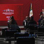 """""""Quiero mantener una relación de amistad con EE.UU, creo que nos conviene"""": AMLO; conferencia matutina (13-07-2020) - MEX9011. CIUDAD DE M…XICO (M…XICO), 04/04/2020.- El presidente de MÈxico, AndrÈs Manuel LÛpez Obrador, participa este s·bado durante una rueda de prensa matutina en Palacio Nacional de Ciudad de MÈxico (MÈxico). Obrador celebrÛ este s·bado la entrada en vigor de la reforma del artÌculo 4 de la ConstituciÛn mexicana que garantiza pensiones a los adultos mayores, discapacitados y becas para estudiantes de todos los niveles. EFE/ JosÈ MÈndez"""