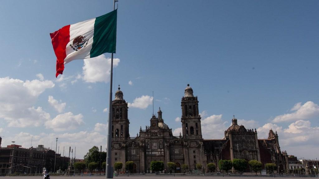 Presenta SRE guía para traslado de restos de mexicanos que mueren en el extranjero - Vista del primer cuadro de la Ciudad de México. Foto de Notimex-Gerardo Luna.
