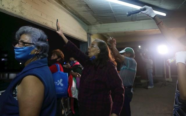 Vecinos aplauden a médicos del Hospital 20 de Noviembre que atienden COVID-19 - México hospital médicos COVID-19 coronavirus Multifamiliar Miguel Hidalgo vecinos 2
