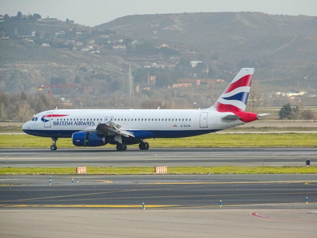 British Airways pone en tierra 11 aviones en España y Francia para mitigar impacto por COVID-19 - Photo by Miguel Ángel Sanz on Unsplash