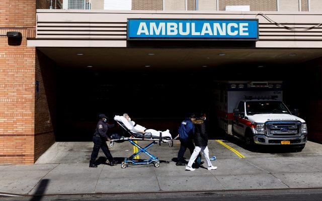 EE.UU. supera los 400 mil casos de COVID-19 y los 13 mil muertos - Foto de EFE