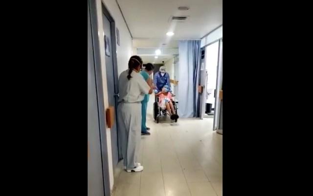 #Video Aplauden a paciente en Veracruz tras superar el COVID-19 - Captura de pantalla