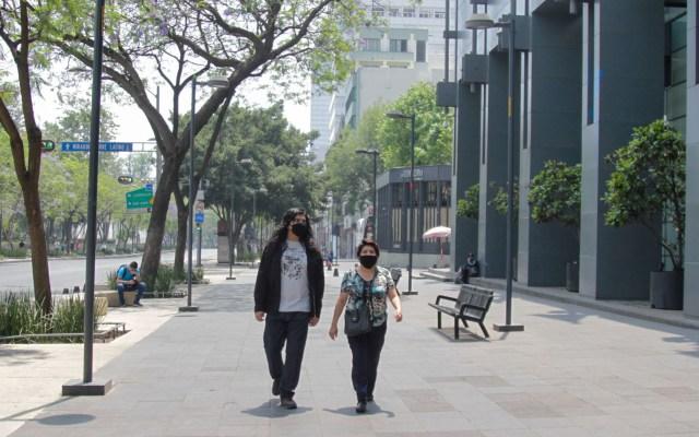 Ciudad de México prepara medidas para Fase 3 por COVID-19 - Personas en calles del Centro Histórico de la Ciudad de México. Foto de Notimex