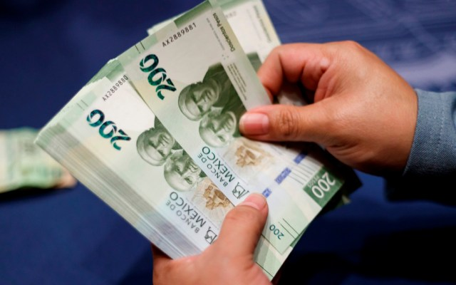 Peso mantiene racha de apreciación y se negocia en 24.11 por dólar - Foto de EFE