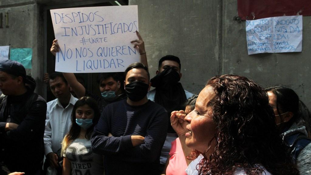 Lista negra de empresas que han despedido empleados - Protesta por despidos injustificados durante emergencia sanitaria por COVID-19. Foto de Notimex