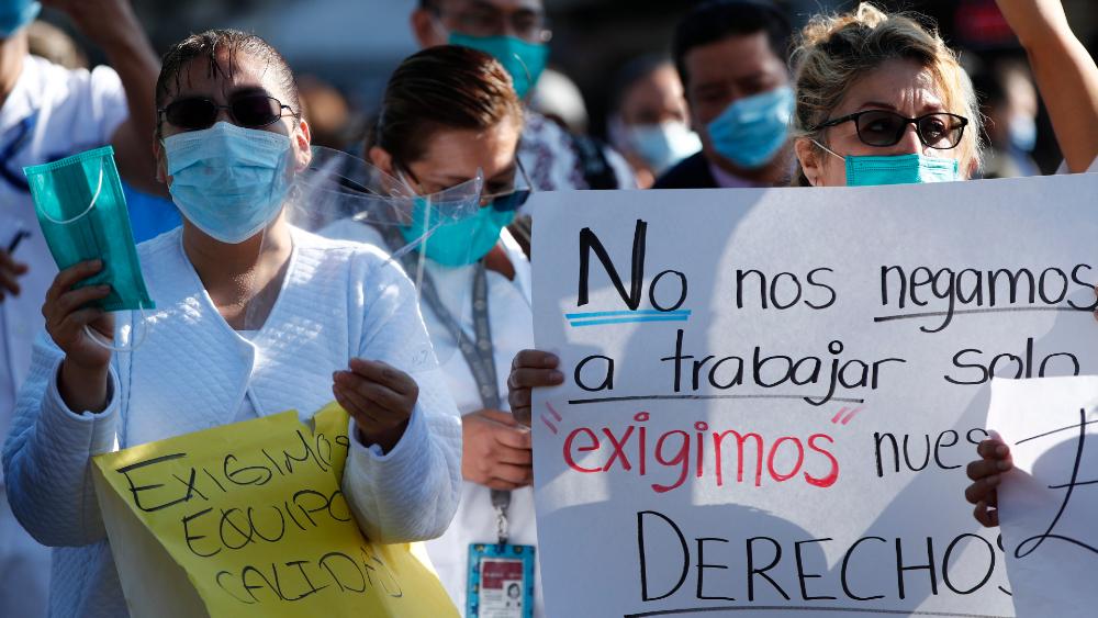 Llama López-Gatell a denunciar a funcionarios que obstaculizan llegada de insumos médicos a hospitales - Foto de EFE