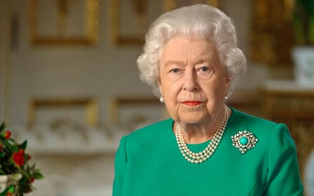 Reina Isabel II cumple este martes 94 años, pero sin celebraciones especiales por COVID-19 - La Reina Isabel II durante mensaje en Buckingham Palace. Foto de EFE/EPA/BUCKINGHAM PALACE