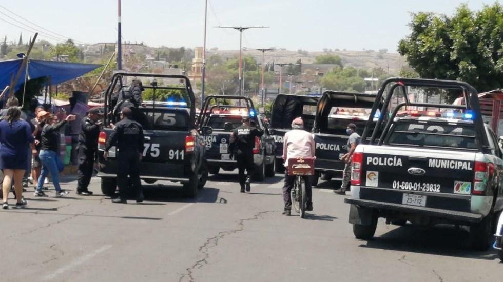 #Video Policía y comerciantes se enfrentan en Edomex; hubo disparos - Riña entre policías de Valle de Chalco y comerciantes. Foto de @Edomex_com