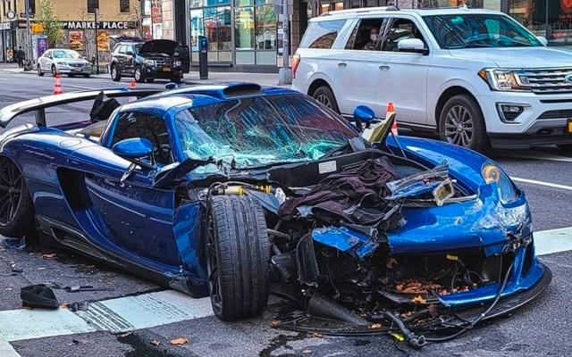 #Video Choca auto deportivo tras manejar a toda velocidad en Nueva York - Un hombre chocó costoso automóvil deportivo tras recorrer una de las grandes avenidas de Manhattan a toda velocidad aprovechando el escaso tráfico por COVID-19