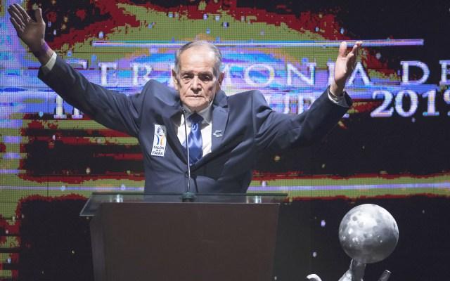Murió Tomás Balcázar, leyenda de Chivas y abuelo de 'Chicharito' - Tomás Balcázar, miembro del Salón de la Fama del Futbol. Foto de Mexsport / Archivo