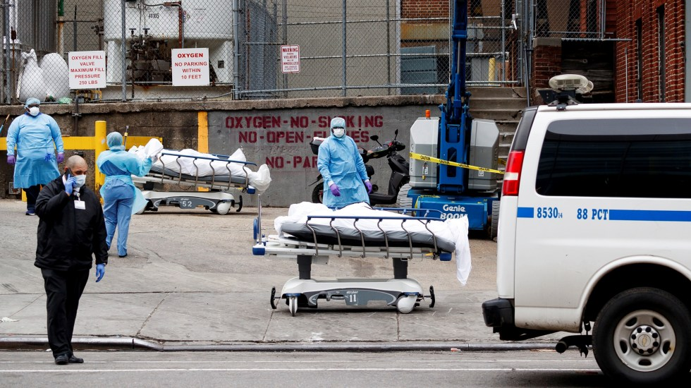 Estados Unidos supera los 127 mil decesos por COVID-19 - Víctimas mortales de COVID-19 en Estados Unidos. Foto de EFE