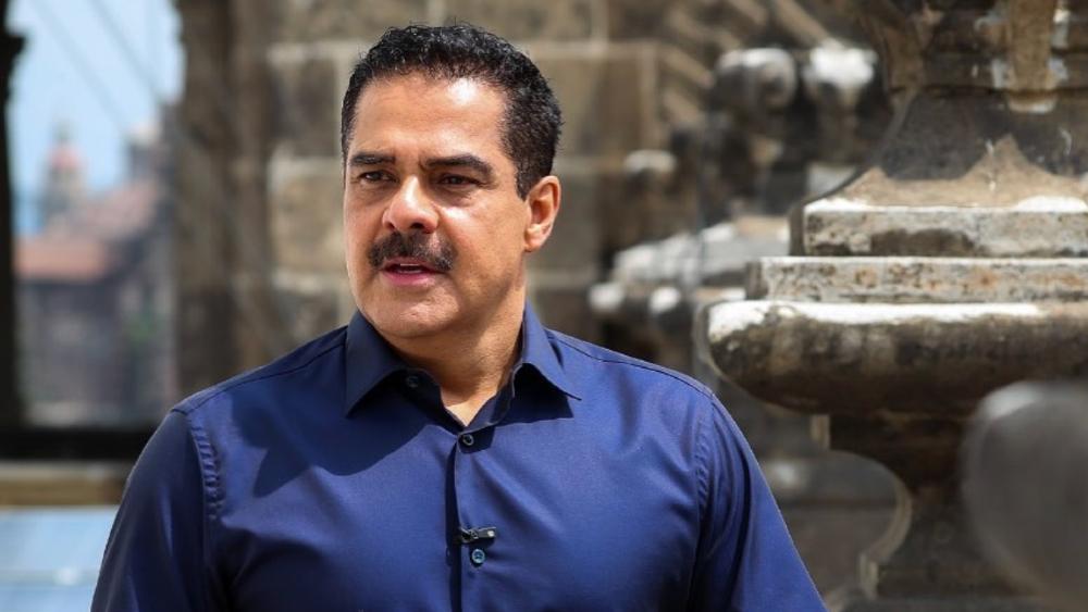 Javier Alatorre reconoce a AMLO por la 'defensa permanente de la democracia y libertad'