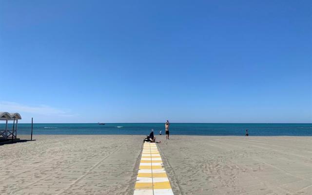 #Fotos El litoral italiano, entre el temor y la esperanza ante su peor temporada - playa italiana