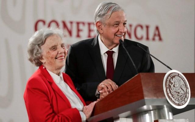 López Obrador felicita a Elena Poniatowska por su cumpleaños - Foto de Twitter @lopezobrador_