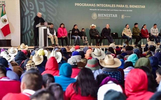 AMLO prevé reiniciar sus giras el 2 de junio en Cancún - El presidente Andrés Manuel López Obrador en gira por San luis Potosí, en marzo de 2020. Foto de Archivo de Presidencia de la República.
