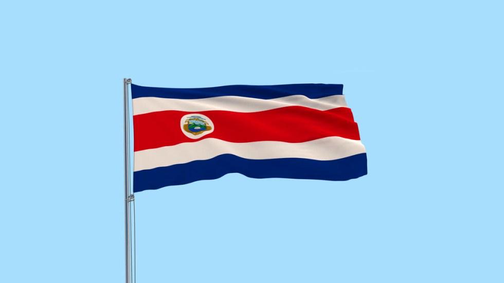 OCDE invita a Costa Rica a convertirse en su miembro número 38 - Bandera de Costa Rica
