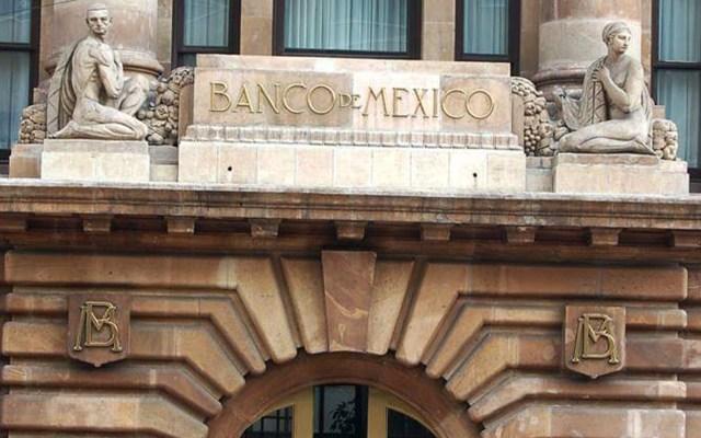 Analistas de Banxico ven una mejora en PIB de 2020; prevén caída de 9.97% - Aspecto de la fachada del Banco de México. Foto de Banxico.