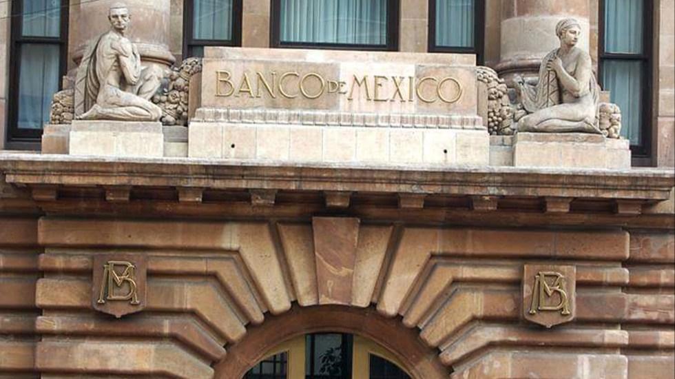 Recorta Banxico 25 puntos base tasa de interés interbancaria - Aspecto de la fachada del Banco de México. Foto de Banxico.