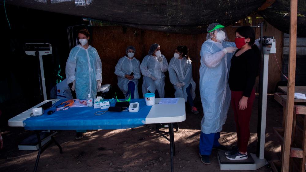 Chile supera los 300 muertos y los 27 mil contagios por COVID-19 - Foto de EFE