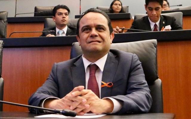 Amplían mandato del comisionado Javier Acuña al frente del Inai - Comisionado presidente del Inai, Francisco Javier Acuña, en Salón de Plenos del Senado. Foto de @f_javier_acuna