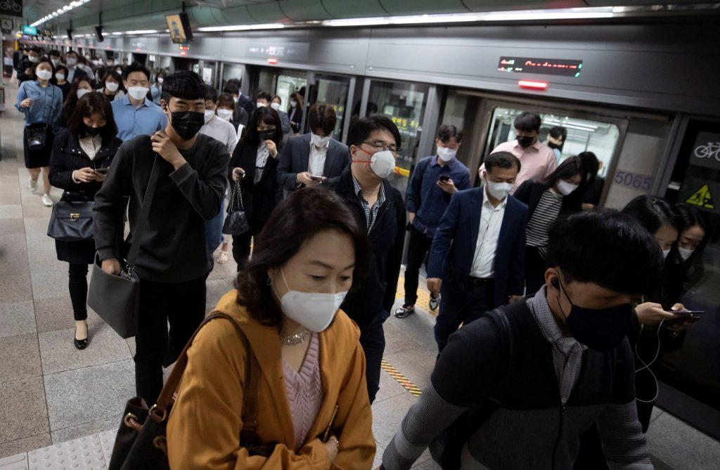 COVID-19 ha provocado la muerte de 291 mil 834 personas en el mundo - Foto de EFE