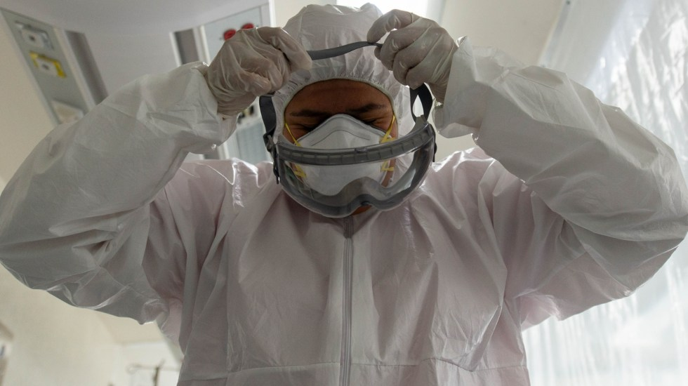 #Video Cifra récord de muertos por COVID-19 en un día en México; suman 6 mil 989 decesos - COVID-19 México hospital médicos personal sanitario