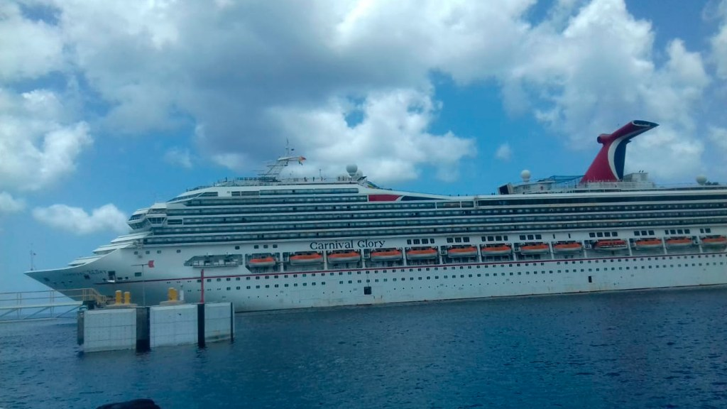 Desembarcan en Quintana Roo 73 mexicanos del crucero Carnival Glory - crucero quintana roo coronavirus COVID-19