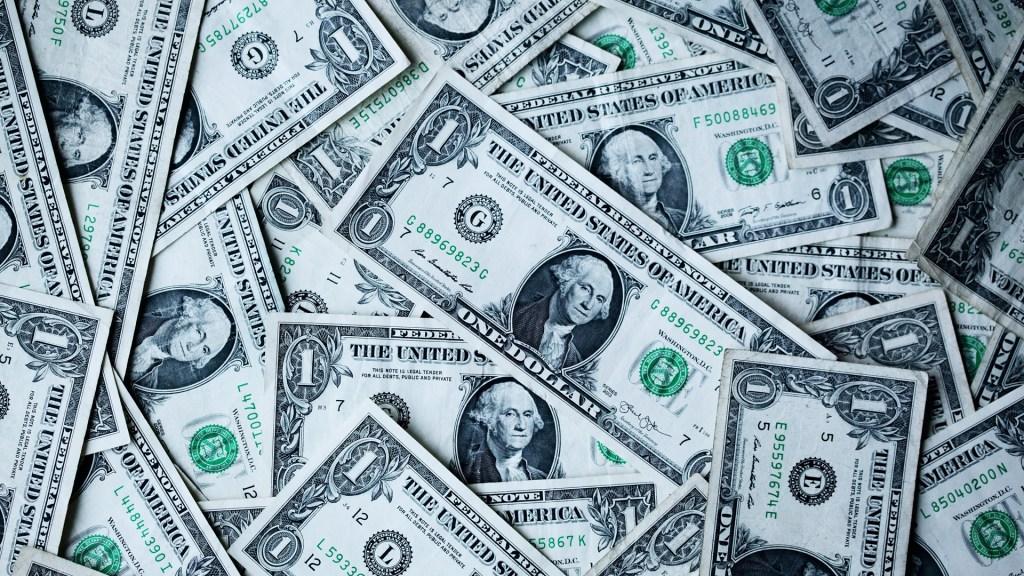 Reservas internacionales aumentaron 575 millones de dólares: Banxico - Dólares. Foto de Sharon McCutcheon / Unsplash