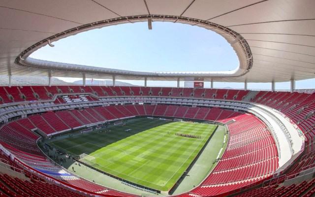 Chivas confirma caso de COVID-19 entre sus jugadores - Foto de Guadalajara Plaza Expo