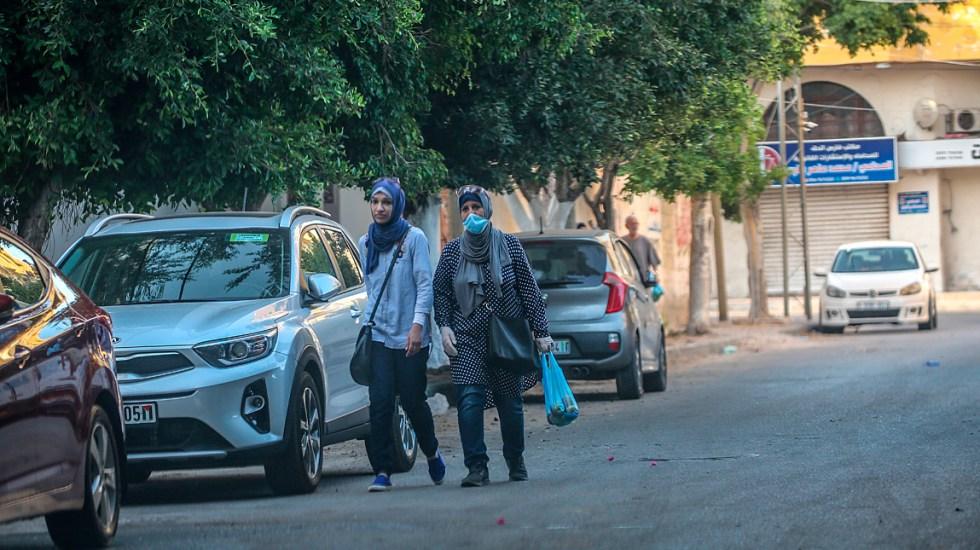 Franja de Gaza confirma su primera muerte por COVID-19 - Gente en la Franja de Gaza