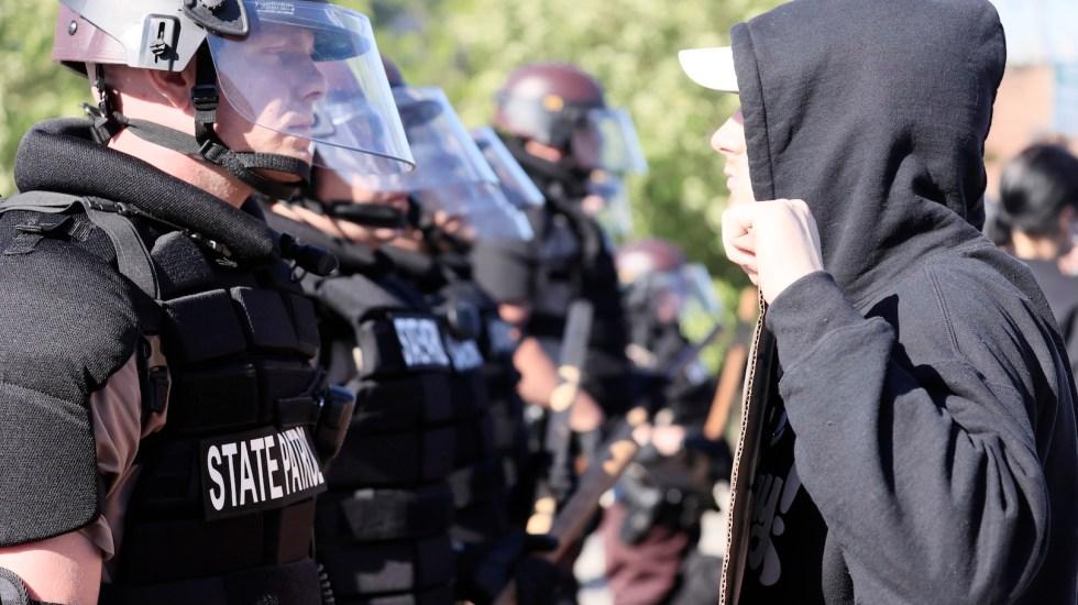 Anonymous amenaza con exponer red de corrupción policial en EE.UU. tras asesinato de George Floyd - Foto de EFE