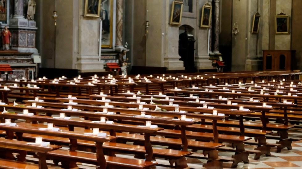Las misas volverán en Italia el 18 de mayo con estrictas medidas sanitarias - Una iglesia vacía sin fieles en Manerbio, cerca de Brescia, Italia