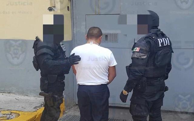 Detienen en la Magdalena Contreras a presunto violador - Ingreso de presunto violador al Reclusorio Oriente. Foto de @PDI_FGJCDMX