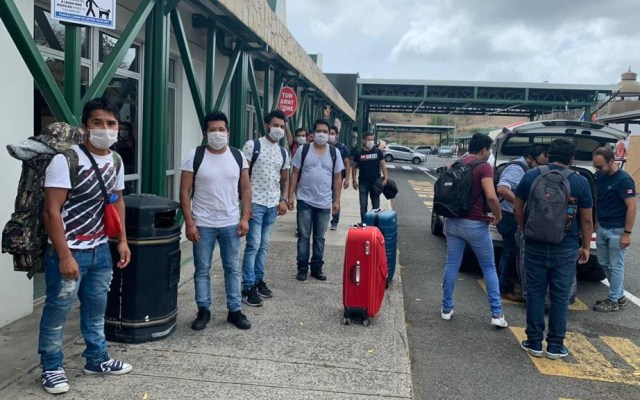 Regresan a México 35 connacionales varados en Granada - Mexicanos Granada varados SRE repatriados