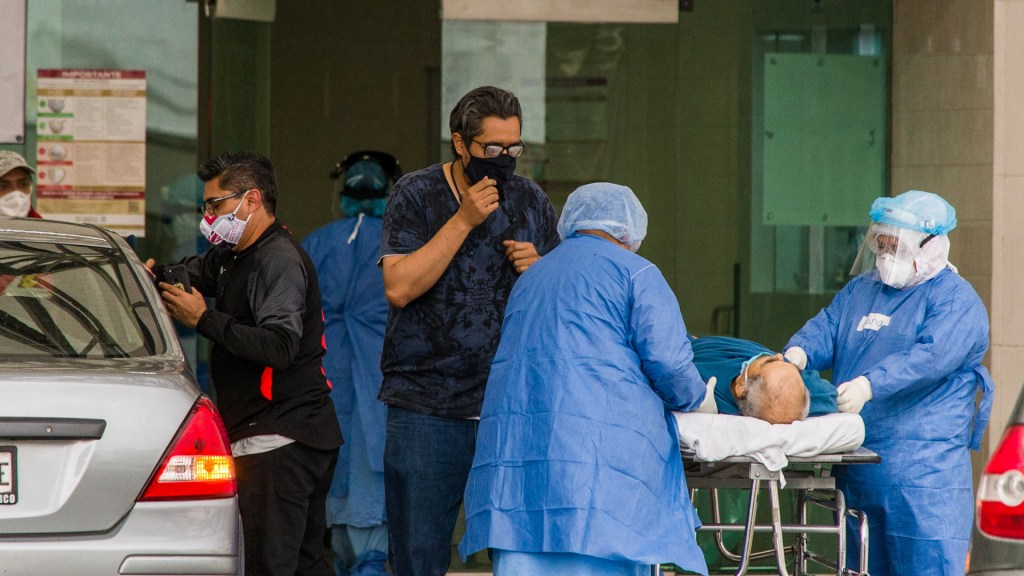 #Video Suman 20 mil 739 confirmados acumulados y mil 972 defunciones por COVID-19 en México - México hospital médicos COVID-19 coronavirus