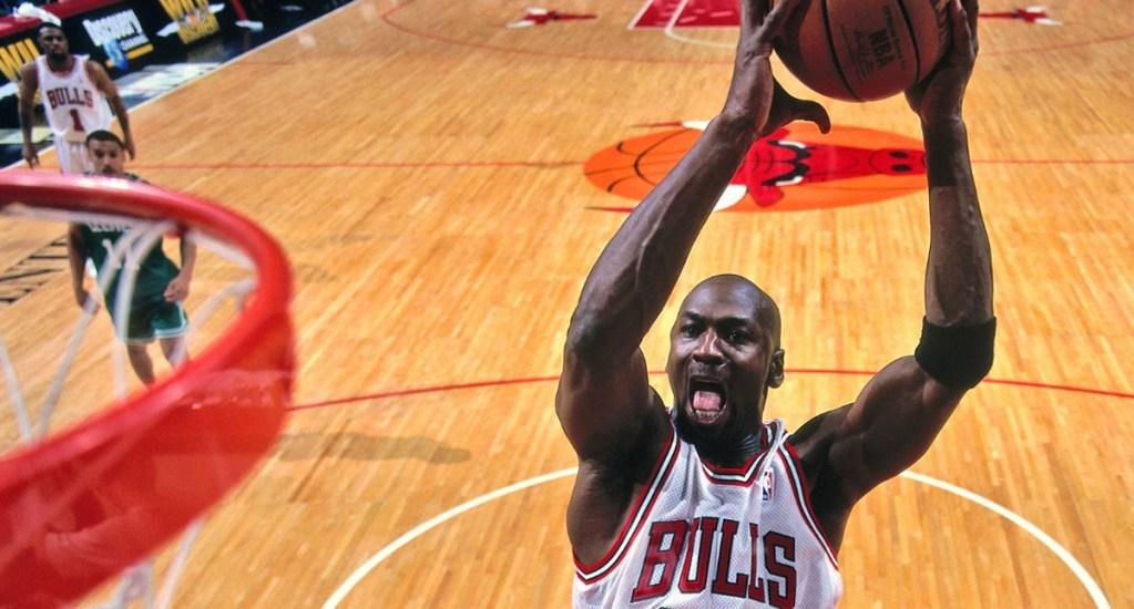 Spotify lanza playlists sobre docuserie de Michael Jordan - Michael Jordan encesta con los Chicago Bulls. Foto de NBA
