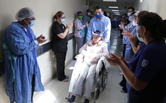 Mujer con COVID-19 es dada de alta después de un mes hospitalizada - Foto de Notimex