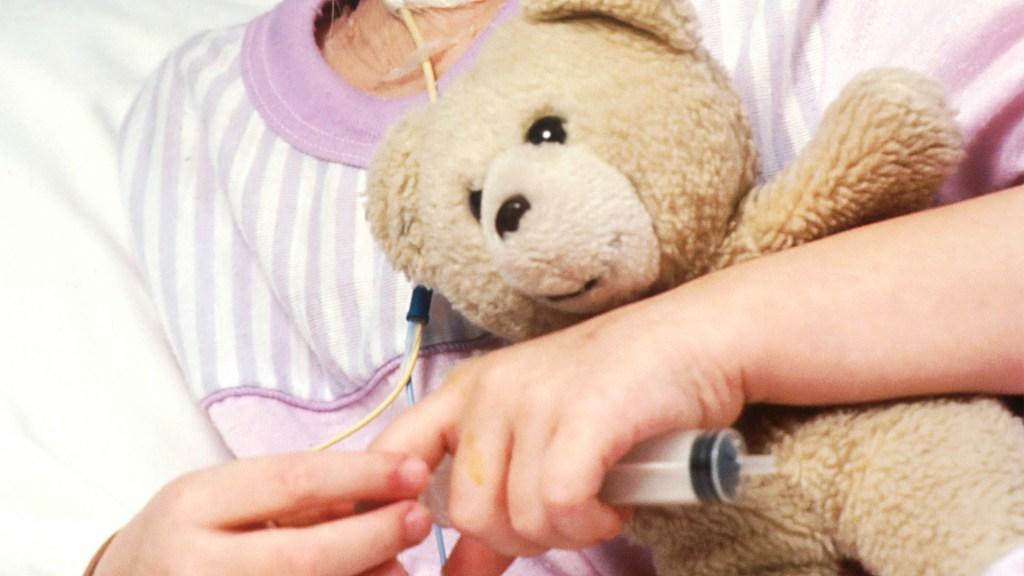 Internan en Miami a niños con síndrome asociado al COVID-19 - Niña en hospital. Foto de National Cancer Institute / Unsplash