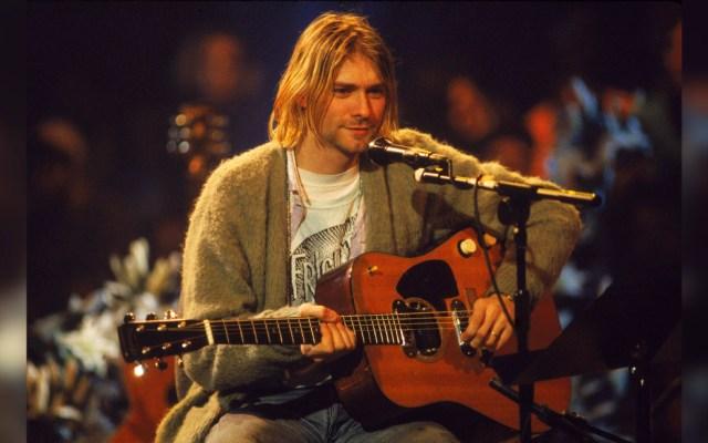 Subastarán guitarra que Kurt Cobain utilizó en el disco 'MTV Unplugged' - La casa de subastas Julien's estima que este instrumento del líder de Nirvana podría alcanzar un precio de un millón de dólares