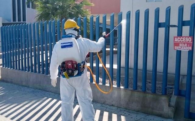 Ascienden a 261 los decesos por COVID-19 en Baja California - Sanitización del Hospital General de Mexicali. Foto de @BC_SSALUD