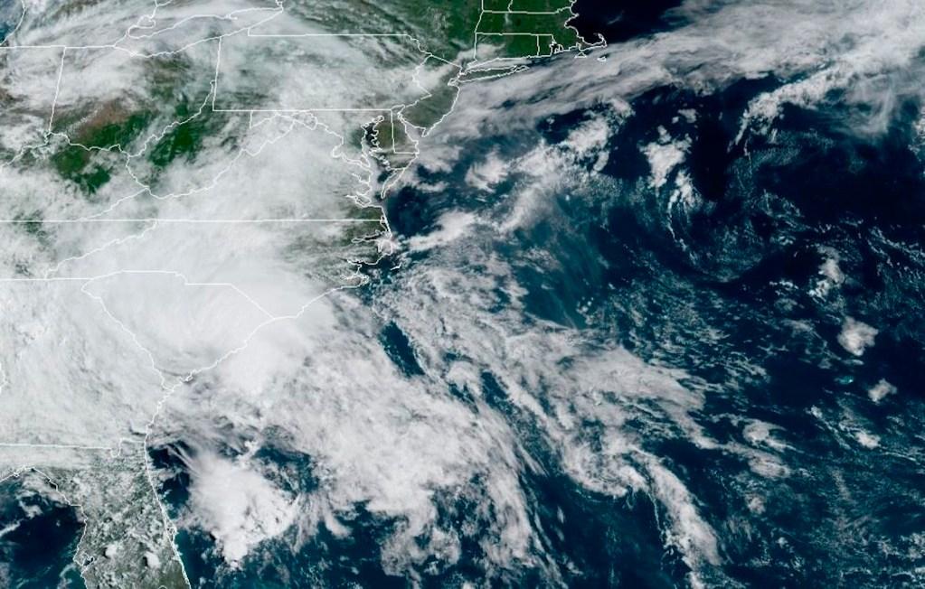 Tormenta tropical Bertha se debilita tras tocar tierra en EE.UU. - Foto de EFE