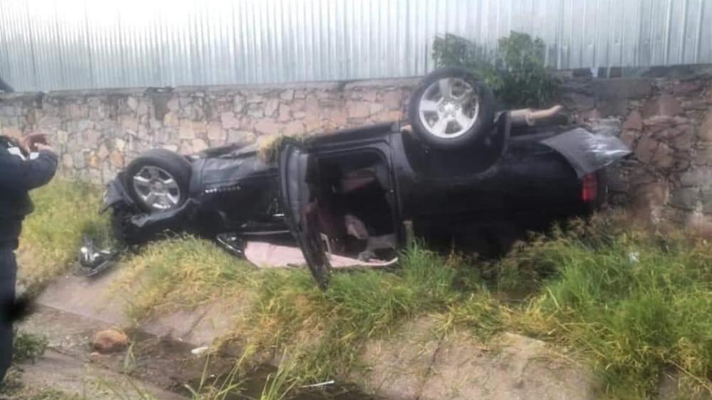 Alcalde de Colón, Querétaro, sufre percance carretero - Foto de @CNqueretaro