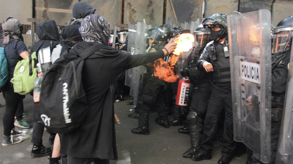 Fiscalía capitalina apoyará a reporteros agredidos por anarquistas este viernes - Foto de Notimex