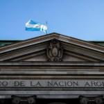 Argentina salda primer pago de capital al FMI a la espera de un nuevo acuerdo - Argentina Banco Nacional deuda